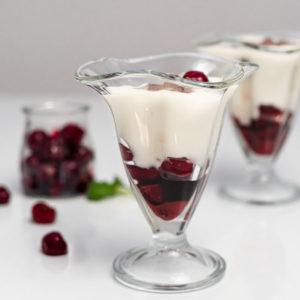 Przepis deser czekoladowy z wiśniami zdrowy bez cukru
