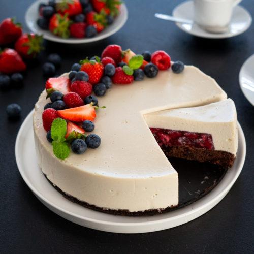 Tort waniliowy z czekoladowym biszkoptem
